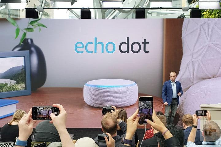 Amazon Echo vs. Dot