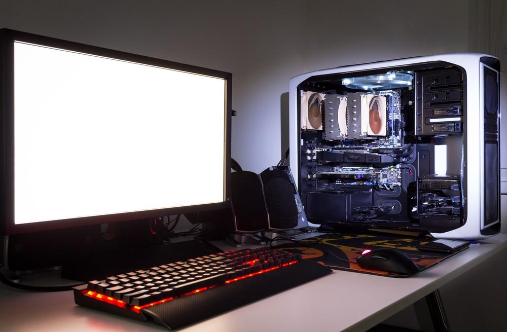 https://pctempo.com/wp-content/uploads/2019/12/Come-costruire-un-Gaming-PC-1.jpg